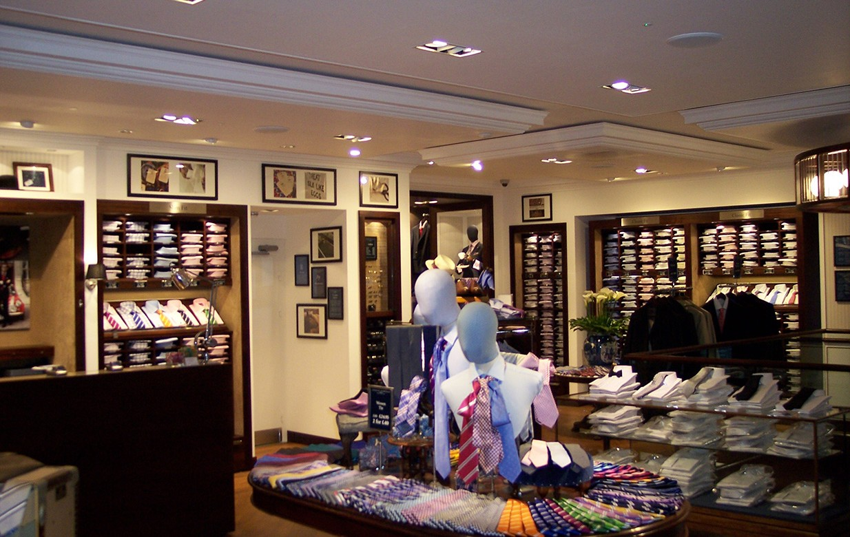 Charles Tyrwhitt (pronounced tirrit) has a strikingly elegant store to complement its own line of fine dress shirts, suits, ties, shoes and cufflinks. Charles Tyrwhitt .